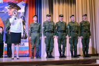 В Уйском проводили молодых людей  в армию